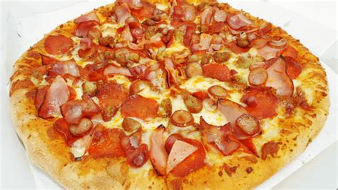pizza meat lover t i domino s pizza aeon mall long bi 234 n 野菜は不要 といわんばかりに7種のお肉を所狭しと載せた肉まみれピザ meat lover7 ミートラバー7 を