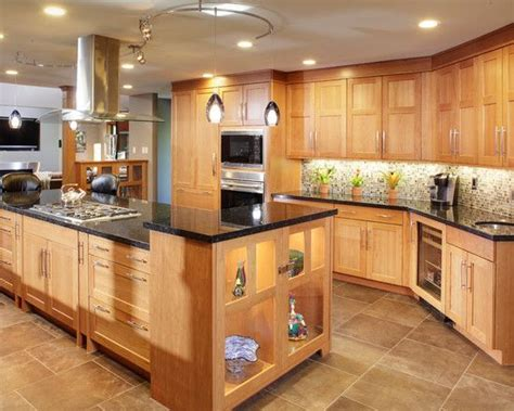 kitchens with light oak cabinets 25 best ideas about light oak on pinterest light oak cabinets light hardwood floors and