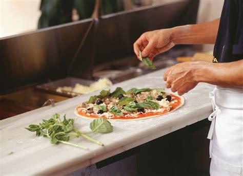 table pizza ontario equipping a pizzeria pmq pizza magazine