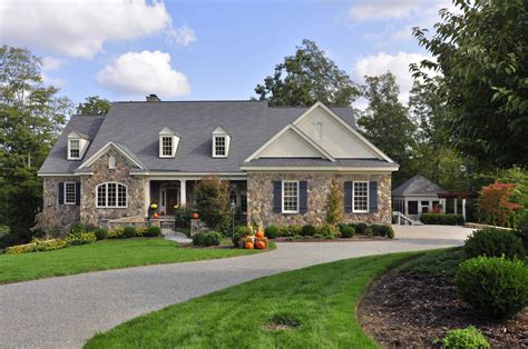 Homes Within Walking Distance To Colonial Williamsburg And William Mary Deelyn