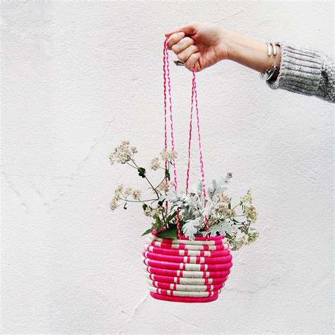 Jar Hanging Planter by 1000 Ideas About Jar Planter On
