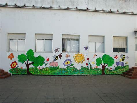 patio interior pequeño decoracion paredes de patios decoradas paredes originales ideas