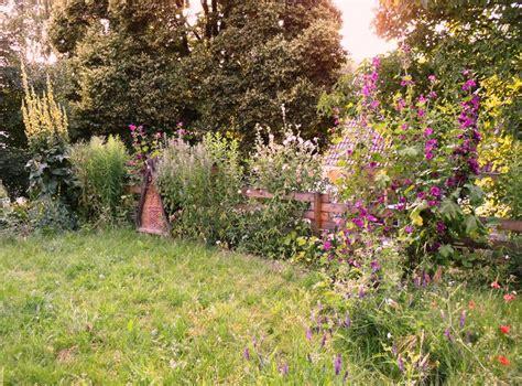 naturgarten ideen naturgarten gartenideen