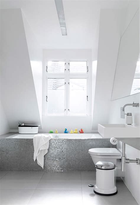 how to clean a bathroom professionally how to clean your bathroom like a professional