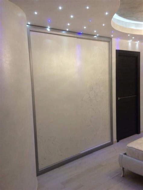 armadio incassato armadio incassato a muro con decorazioni a mano idee
