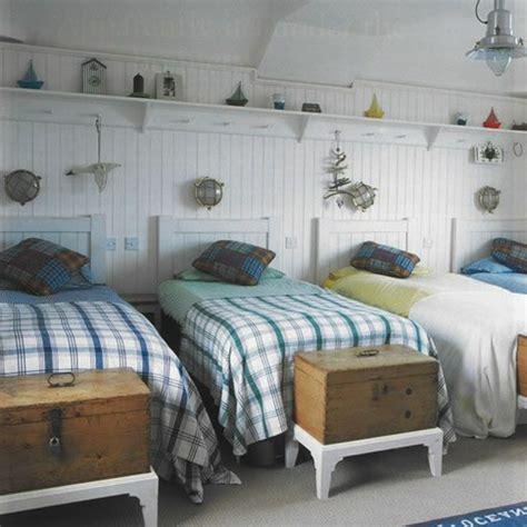 40 id 233 es pour le bout de lit coffre en images