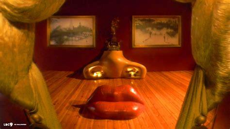 mae west lips sofa salvador dali wallpaper