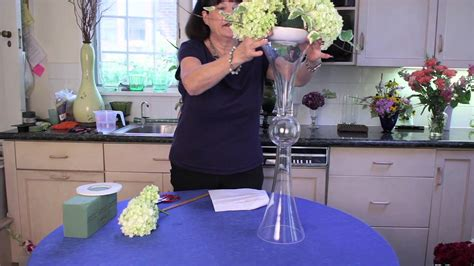 How To Make A Tall Vase How To Decorate A Tall Clear Centerpiece Vase Flower