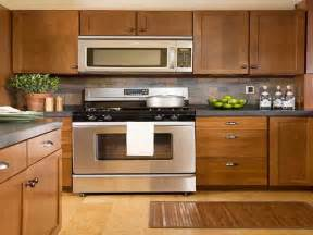 Kitchen Cabinet Hardware Trends by Beautiful Kitchen Cabinet Hardware Trends 7 2014 Kitchen
