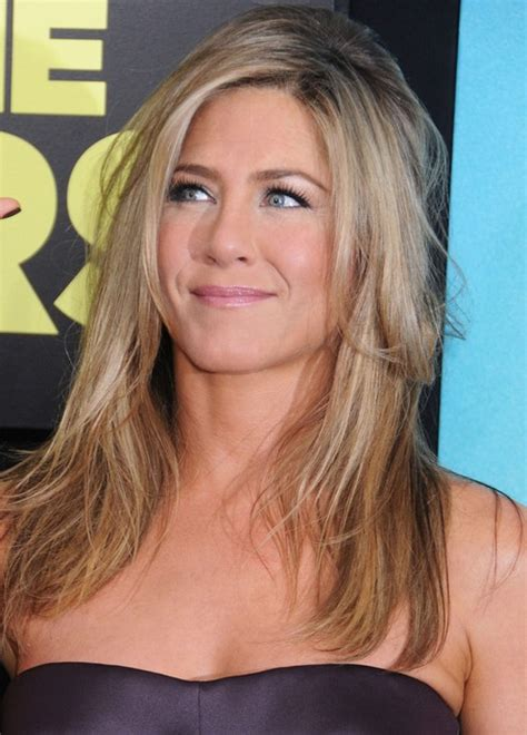 jennifer aniston triangle bangs jennifer aniston long hairstyle messy haircut with curly