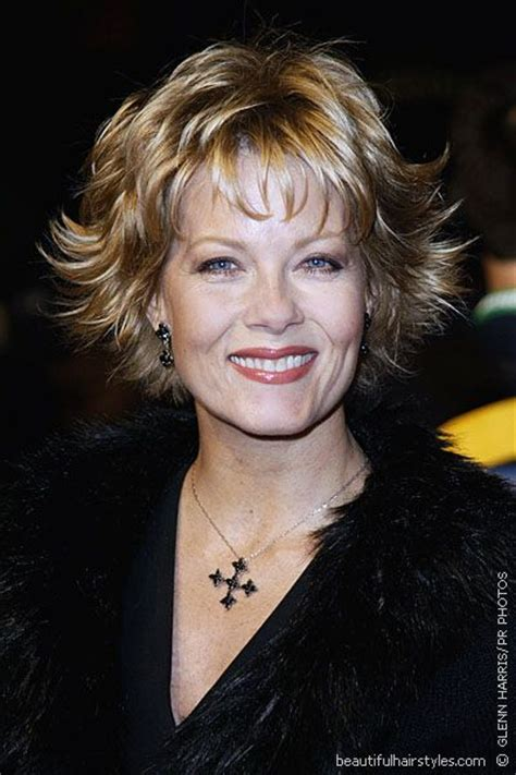 Shorty Flippy Hairstyles For 2014 With Bangs | barbara niven in very flippy short hairstyle with bangs