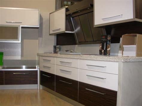 mueble de cocina dise a en china myideasbedroom dise os de la cocina con gabinetes de madera de cerezo myideasbedroom com