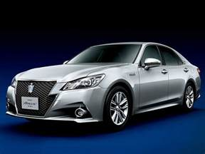 Crown Toyota Toyota Launches Redesigned Crown Flagship In Japan