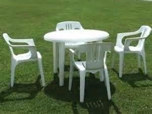 Plastic Patio Table And Chairs Sedie Da Giardino In Plastica Tavoli E Sedie