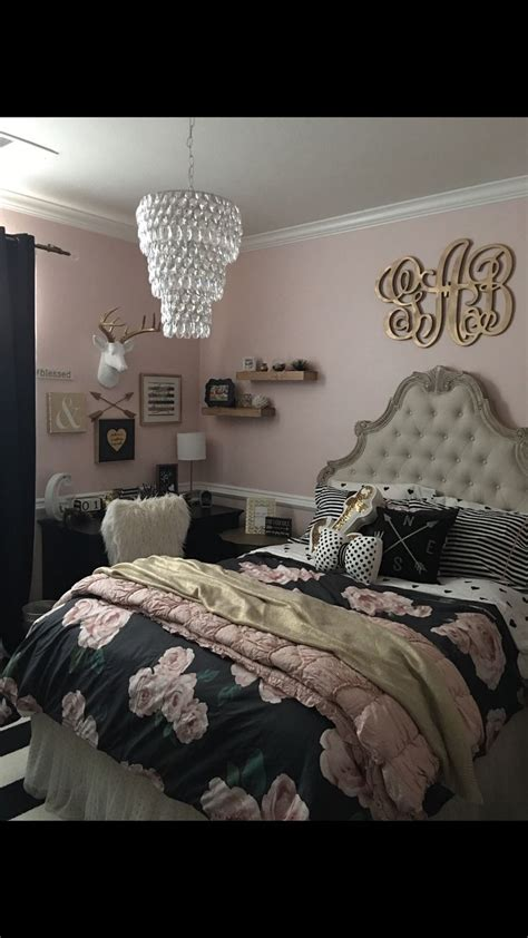 headboard ideas for teenage girl 25 best ideas about monogram above bed on pinterest