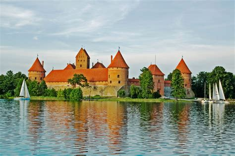 who flies to vilnius cheap flights to lithuania lowest price at flightmate ie