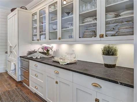 essentials   charming farmhouse style kitchen