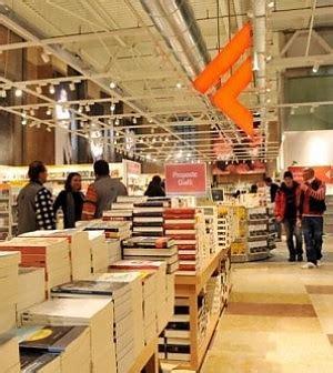 libreria feltrinelli palermo feltrinelli contratti di solidariet 224 per 1 370 dipendenti