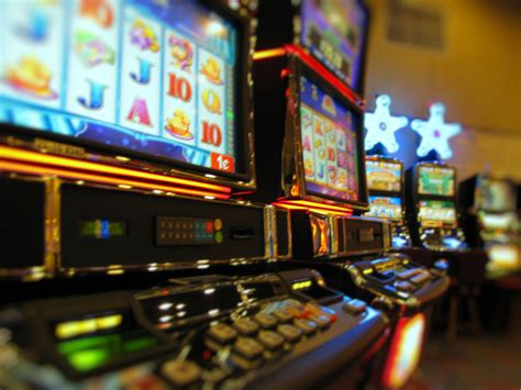 How To Win Money At The Casino Slot Machines - high limit slots strategies