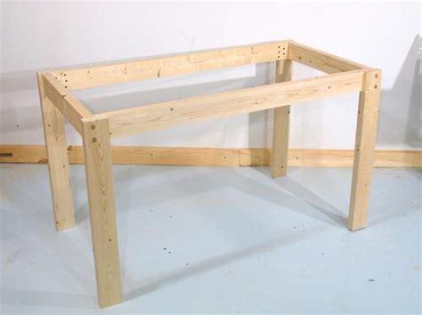 gestell tisch construyendo una mesa mdash uniendo las partes con tarugos