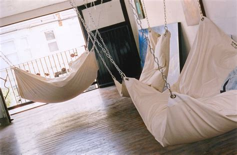 Hammock Bed Indoor by Cool Indoor Hammock Le Beanock Digsdigs