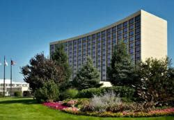 Oakbrook Mall Gift Card - escape with oak brook hotel s special shopping promotion