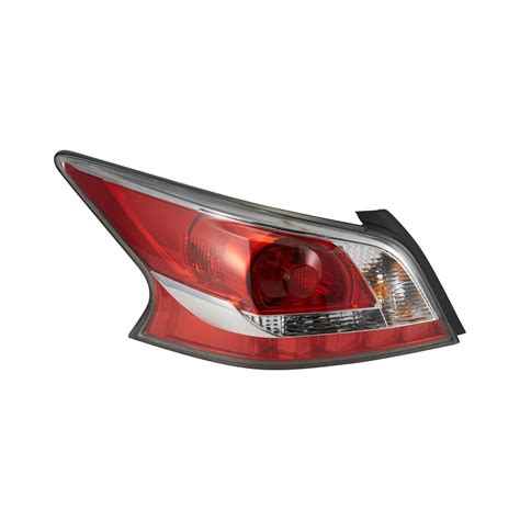 nissan altima tail light tyc 174 nissan altima 2014 2015 replacement tail light