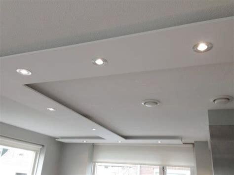 hoeveel inbouwspots toilet voorbeeldplaatje plafondverlichting keuken pinterest