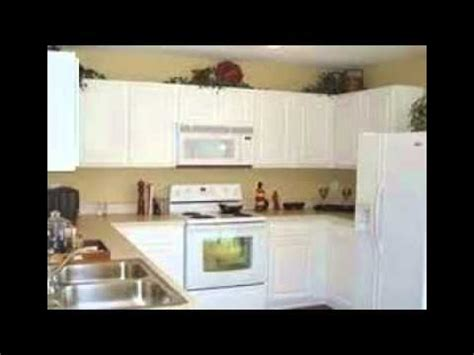 youtube how to paint kitchen cabinets how to paint white kitchen cabinets youtube
