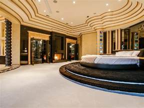 Luxury Master Bedrooms 15 Luxurious Master Bedrooms With Round Beds Interior