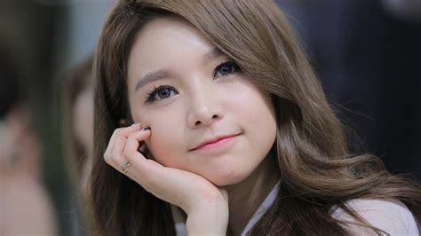 wallpaper cute korean girl miejsce gdzie codziennosc przeplata sie z pasja koreański