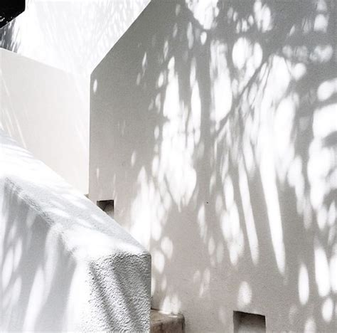 aesthetic white 25 best ideas about white on black white presentes de anivers 225 a