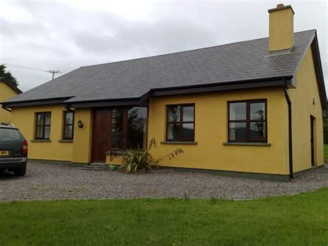 dingle cottages milltown cottages cottage reviews dingle ireland