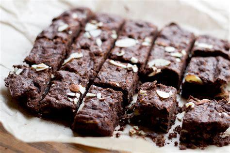 cara membuat brownies panggang almond resep cara membuat brownies panggang enak dan lembut