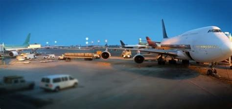 air freight universal guarantee shipping