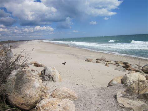friendly beaches ri rhode island