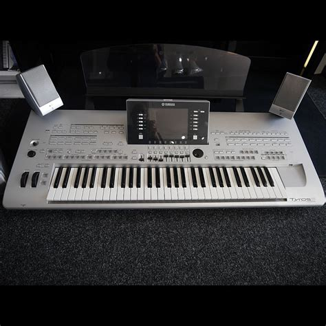 Keyboard Casio Second yamaha tyros 3 keyboard with speakers 2nd rich tone