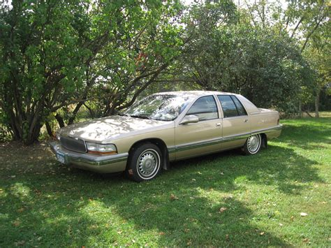 electric and cars manual 1995 buick roadmaster user handbook buick roadmaster questions i am looking for the slide or glide that hooks to window regulator