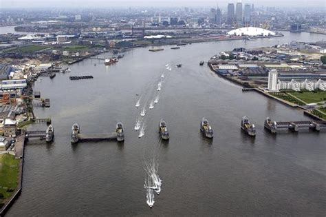 thames barrier cost thames barrier tides google search mechanical barriers