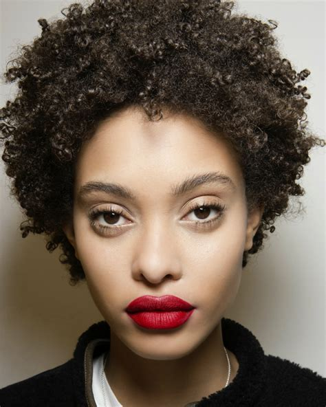 new hairstyle for black woman in her 40s hair trends 2018 12 hairstyles and hair colours to try