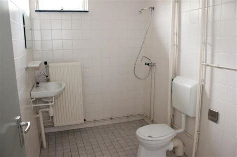 Toilet Renoveren Zwolle by Badkamer Toilet Voormalige Huurwoning Verbouwen Werkspot