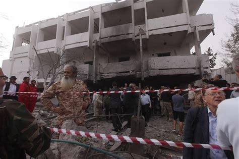 consolato francese di foto tripoli autobomba contro ambasciata francese
