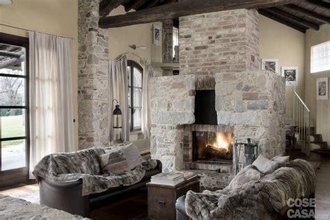 libreria 900 nuoro soggiorno con caminetto moderno idee per il design della