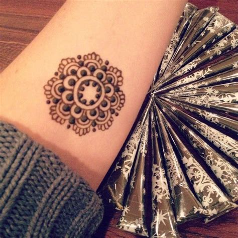 cute mehndi pattern 130 best images about handlettering henna on pinterest