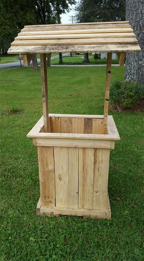 Small Wooden Wishing Well Planter by 17 Best Ideas About Wishing Well On Wishing