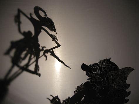 The Shadow Puppet Mantia Biru スミリール ジャワの音楽 舞踊 影絵芝居 スミリールについて