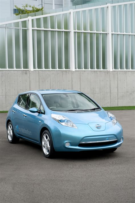 nissan leaf  electric vehicle production started