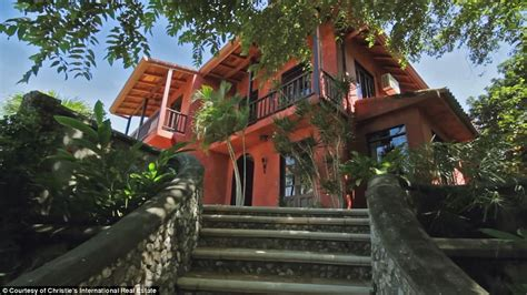 Space Themed Bedrooms Mel Gibson S Costa Rican Jungle Mansion For Sale Daily