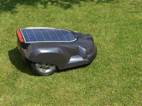 Husqvarna Automower Solar Hybrid 1421 by Husqvarna Automower Solar Hybrid Robotfűny 237 R 243 Teszt Geeks Hu