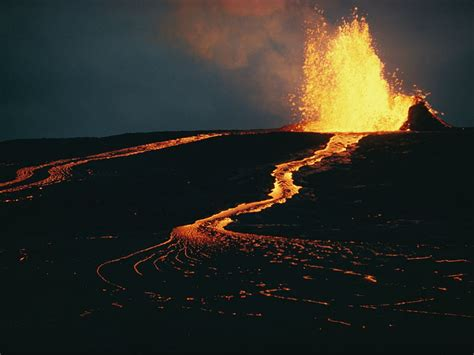 Table Top Day Types Of Volcanic Eruptions National Geographic Society